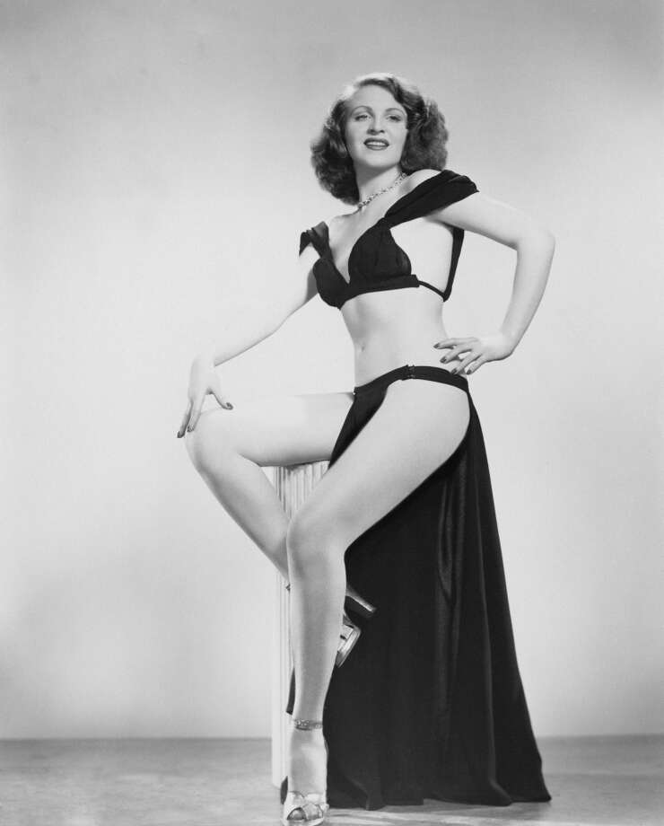 Burlesque dancer Gloria Knight in a two-piece stage outfit, circa 1950. Photo: Archive Photos, Getty Images