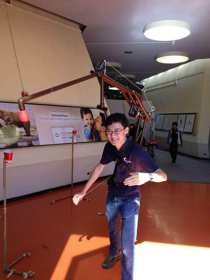 A robotic tail lets you pretend to be a scorpion hunting for prey. Photo: Allen Li, UC Berkeley Pioneers In Engineer