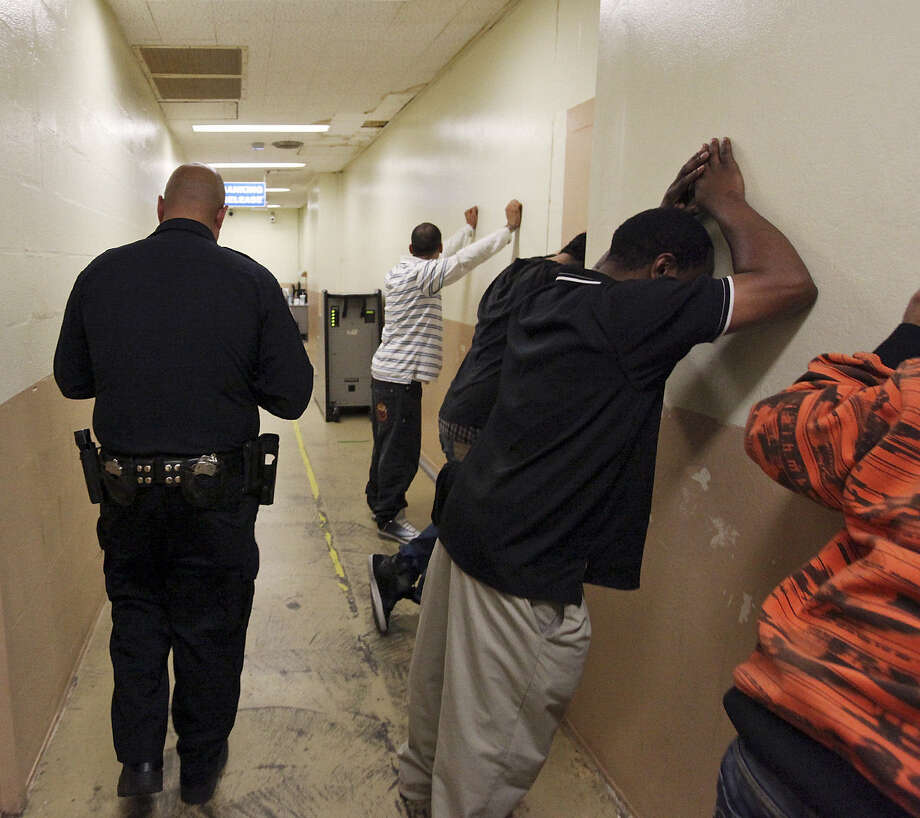 The time should fit the crime. Texas needs criminal justice reform. Photo: Express-News File Photo / © 2013 San Antonio Express-News