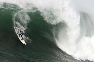Mavericks big-wave competition set for Friday - Photo