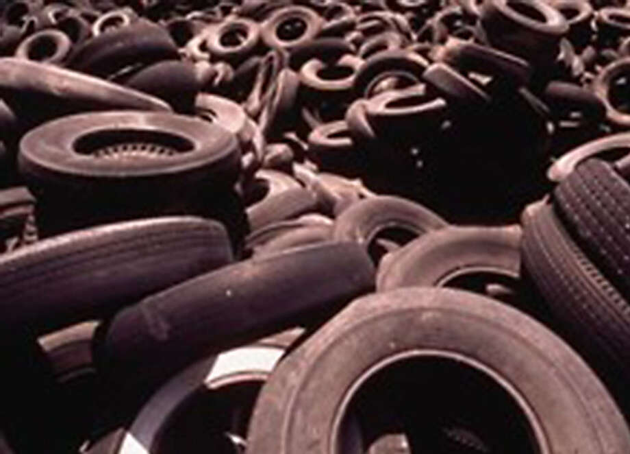 The Mechanical Concrete system uses old tires as a base material for roads. Photo: REAGCO