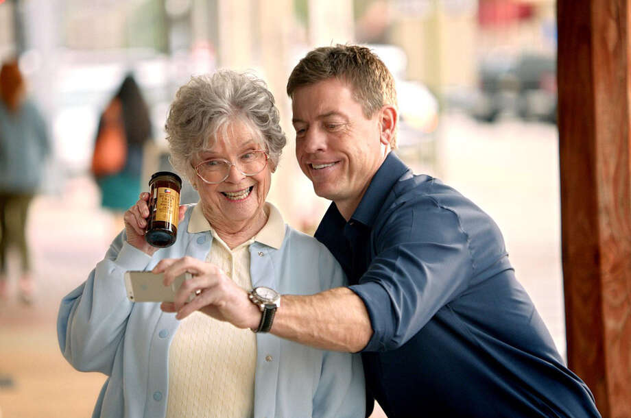 Former Dallas Cowboys quarterback Troy Aikman stars in H-E-B's commercial for this year's Super Bowl game.