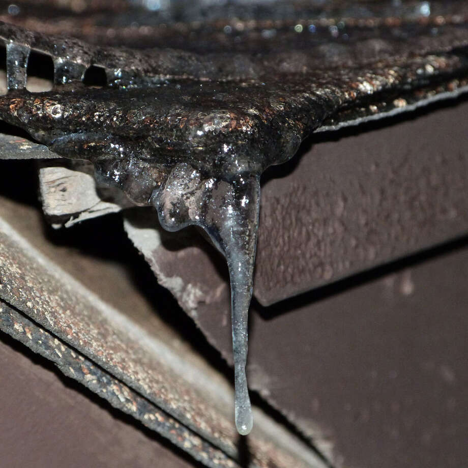 Ice at my house in San Antonio:) Photo: Reader Photo/Kylie Nix