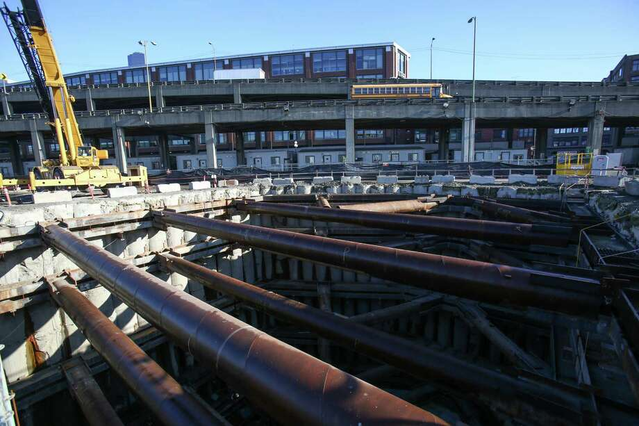 An excavation pit that will house the south operations building —a building where ventilation, electrical, lighting, fire, safety and traffic will be monitored and controlled— is shown. Photo: JOSHUA TRUJILLO, SEATTLEPI.COM / SEATTLEPI.COM