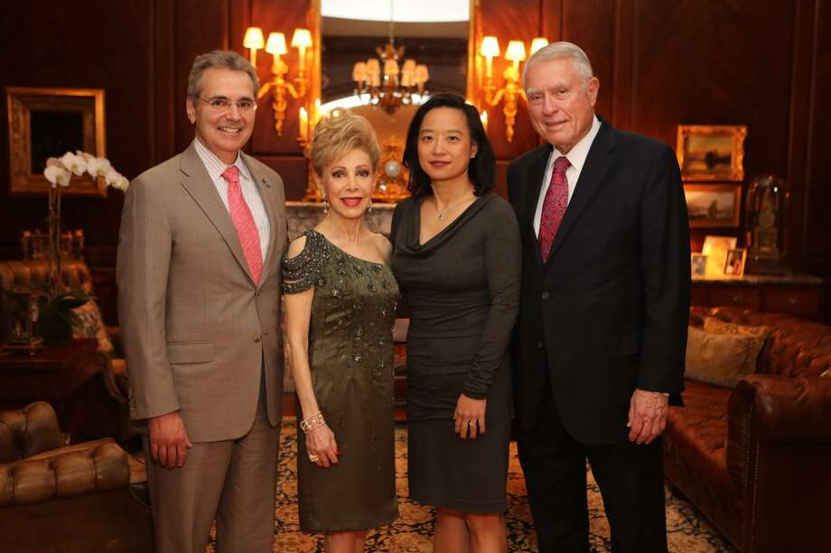 Dr. Ron DePinho, Margaret Williams, Dr. Lynda Chin, and Jim Daniel
