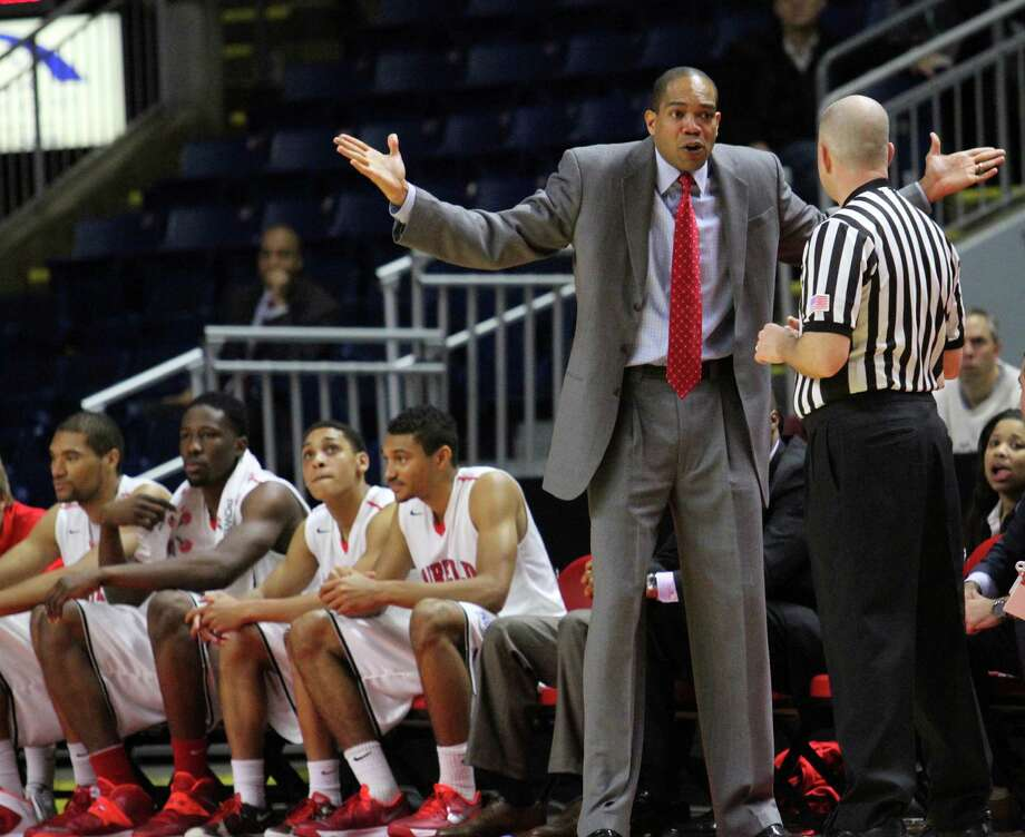 Fairfield University Men's basketball coach Sydney Johnson questions the official during the first half in a game against Iona at the Webster Bank Arena in Bridgeport, on Sunday, Dec. 8, 2013. Photo: BK Angeletti, B.K. Angeletti / Connecticut Post freelance B.K. Angeletti