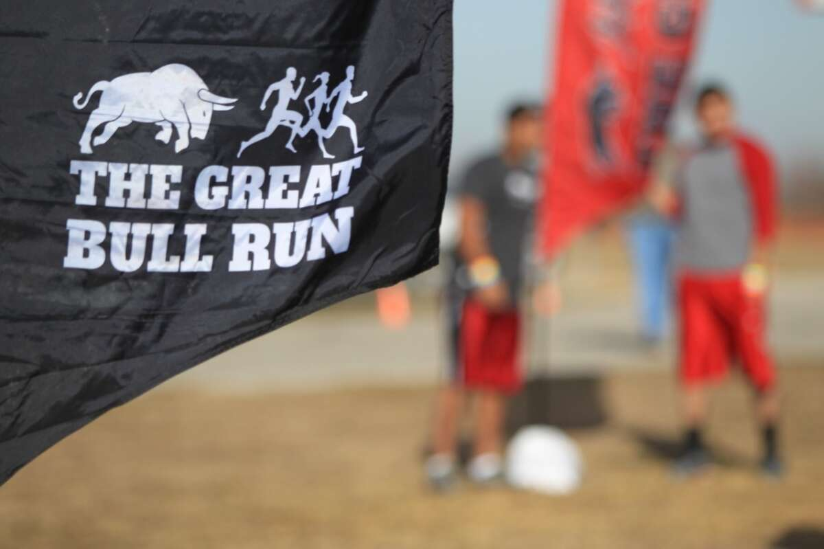 Participants arrive to The Great Bull Run at Baytown Race Track on Jan. 25, 2014. ( Mayra Beltran / Houston Chronicle )
