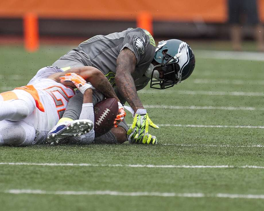 Desean Jackson (10), of Team Sanders, has the ball stripped from him by Browns cornerback Joe Haden (23). Photo: Marco Garcia, Associated Press