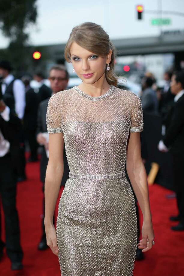 Taylor Swift shimmered