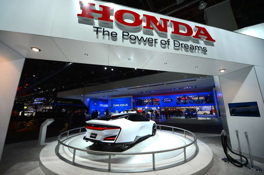 The Honda FCEV Concept attracts attention during the 2014 North American International Auto Show in Detroit, Michigan. (Photo by Cem Ozdel/Anadolu Agency/Getty Images) Photo: Anadolu Agency, Getty Images