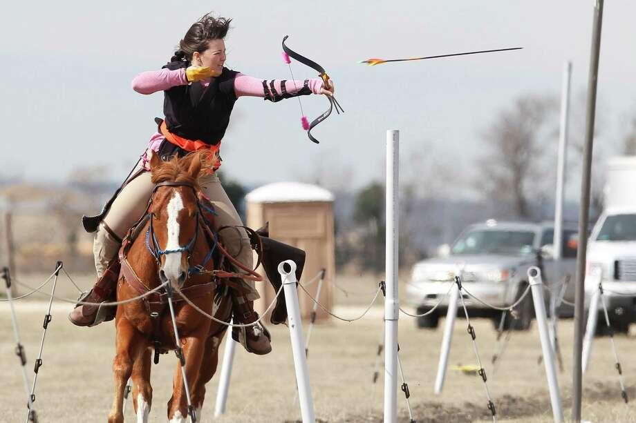 Horseback Archers Train For 2014 Championship In N B