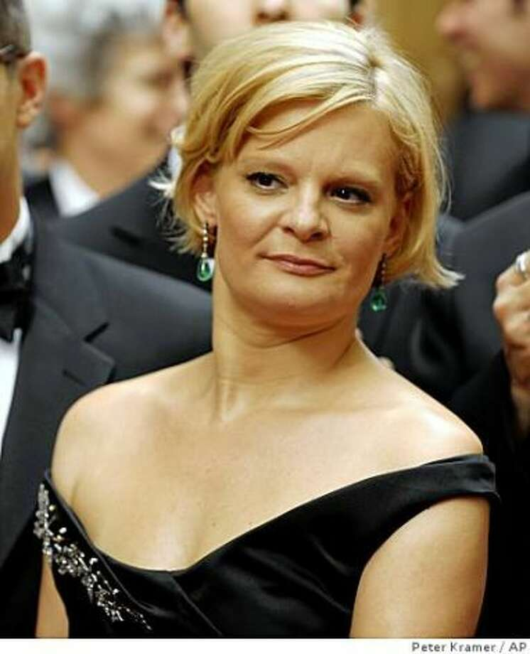 Martha Plimpton -- suggested by nickster.