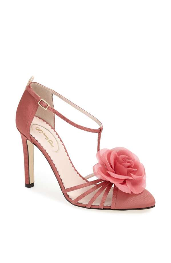 SJP Etta pump in pink mauve Photo: SJP Collection By Sarah Jessica Parker