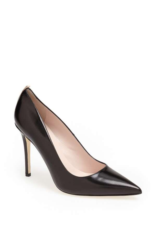 SJP Fawn pump in black leather Photo: SJP Collection By Sarah Jessica Parker