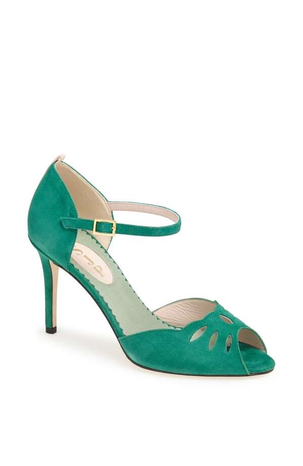 SJP Ina pump in green Photo: SJP Collection By Sarah Jessica Parker