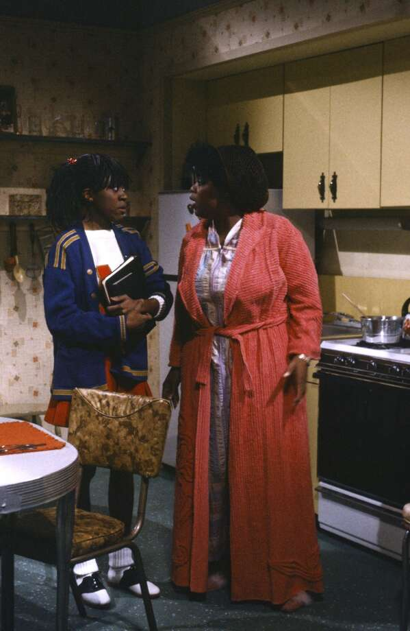 Danitra Vance as Cabrini Green Jackson, Oprah Winfrey as Cabrini's mother during the 'Cabrini Green & Her Mother' skit on 'Saturday Night Live' in 1986. Photo: NBC, NBC Via Getty Images
