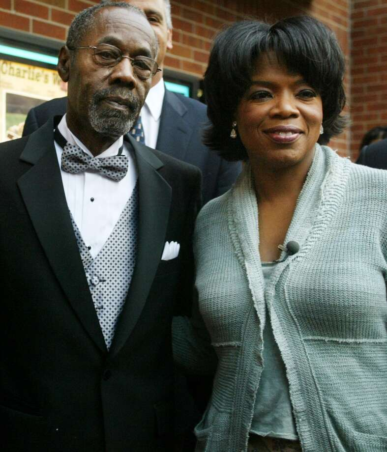 Oprah with her father, Vernon Winfrey, in 2003. Photo: Adriane Jaeckle, Getty Images