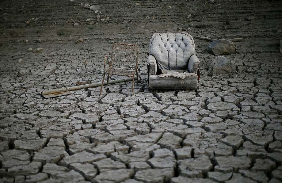 No drought relief for California: Discarded chairs sit on cracked earth that used to be the bottom of the Almaden Reservoir in San Jose. Photo: Justin Sullivan, Getty Images