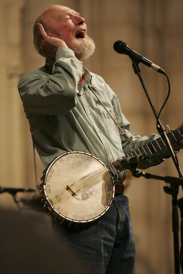 Pete Seeger, performing in 2009, died Monday at 94. Photo: Earl Wilson, New York Times