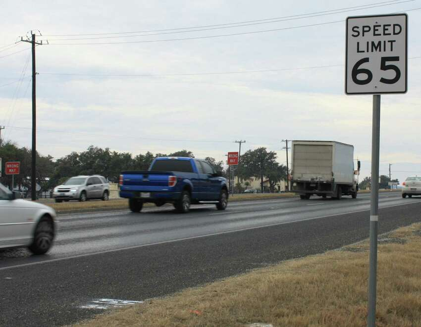 87. Texas 16 aka Bandera Road (from Loop 1604 to Loop 410 )Annual hours of delay per mile: 125,382 hoursAnnual congestion cost: $17.2 millionPHOTO: The Helotes City Council voted to replace the 65 mph speed limit signs with 55 mph signs inside the Helotes city limits on Texas 16/Bandera Road.