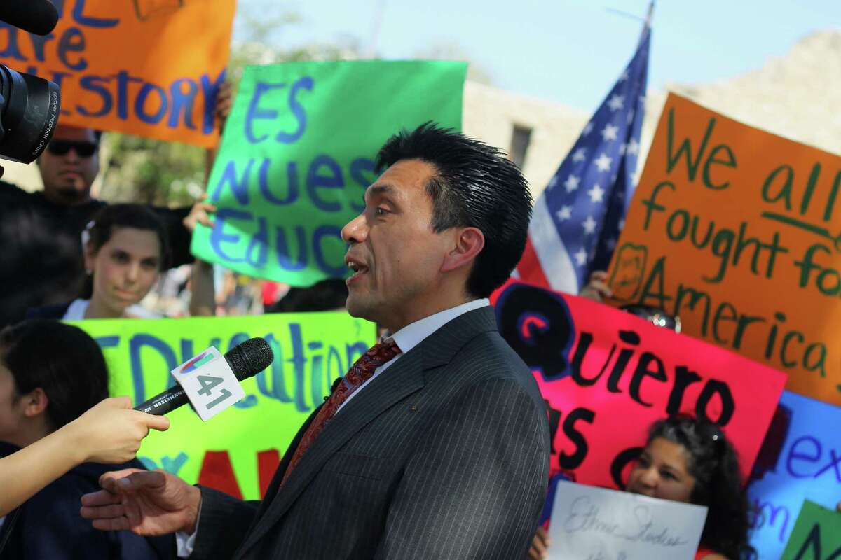 Tony Diaz, leader of Librotraficante movement at a protest against Texas BS 1128 in El Alamo, San Antonio.