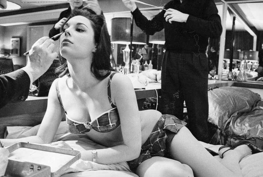 American actress Tracy Reed, being made up before shooting begins. Photo: Reg Lancaster, Getty Images