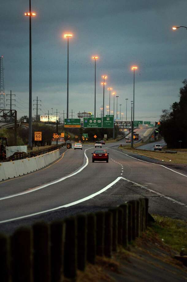An unusually light amount of traffic traverses the Interstate 10 and U.S. 69 interchange Tuesday morning.  Photo taken Tuesday, January 28, 2014 Guiseppe Barranco/@spotnewsshooter Photo: Guiseppe Barranco, Photo Editor