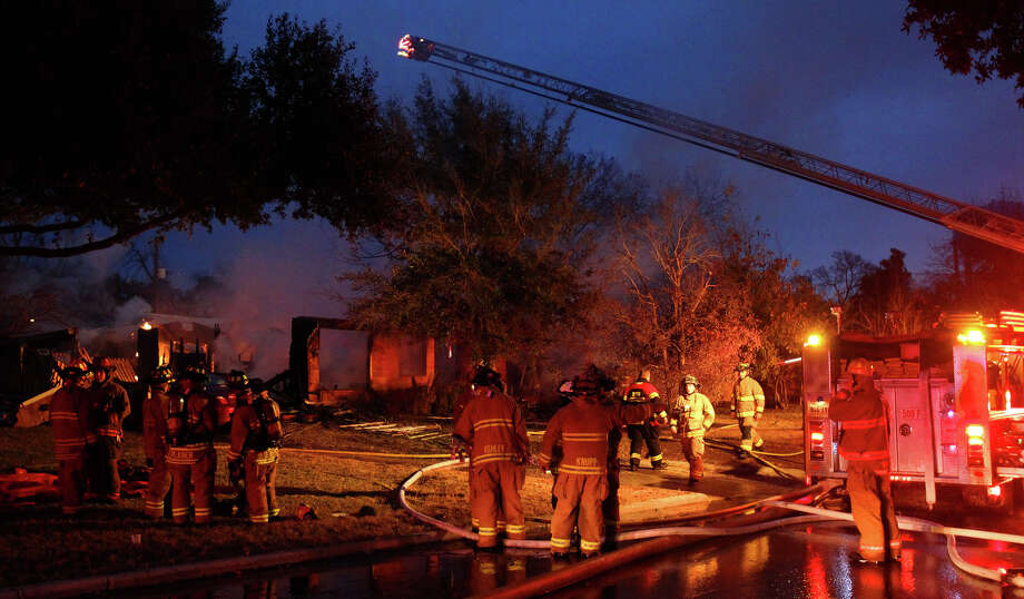 Terrell Hills officials said a woman in the home was severly burned in the explosion. Photo: John Davenport, San Antonio Express-News / ©San Antonio Express-News/Photo may be sold to the public