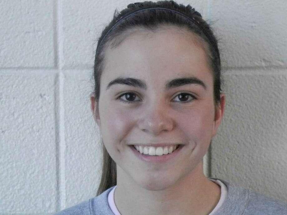 Fairfield Ludlowe girls indoor track freshman Brianna Auray Photo: Reid L. Walmark / Fairfield Citizen