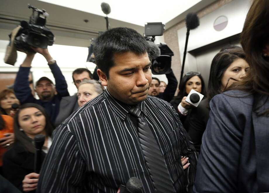 Erick Munoz leaves court after a judge sided with the family and ordered life support to be removed from his wife. Photo: Tom Fox, Associated Press