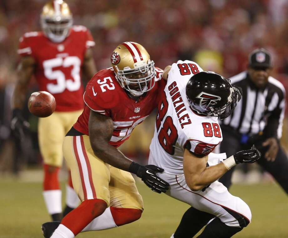 San Francisco 49ers linebacker Patrick Willis (52) breaks up a pass meant for Atlanta Falcons tight end Tony Gonzalez (88) in the 2nd quarter of Monday night's game on Dec. 23, 2013 in San Francisco, Calif. Photo: Beck Diefenbach, For The Chronicle