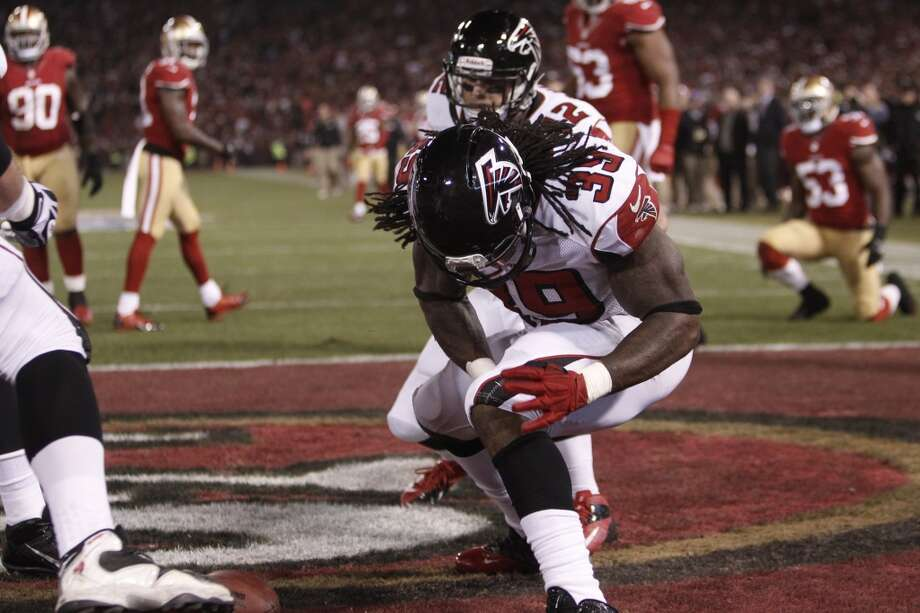 Atlanta Falcons running back Steven Jackson (39) celebrates his touchdown during the second quarter of the game between the San Francisco 49ers and Atlanta Falcons at Candlestick Park on Monday December 23, 2013 in San Francisco, Calif. Photo: Michael Macor, The Chronicle