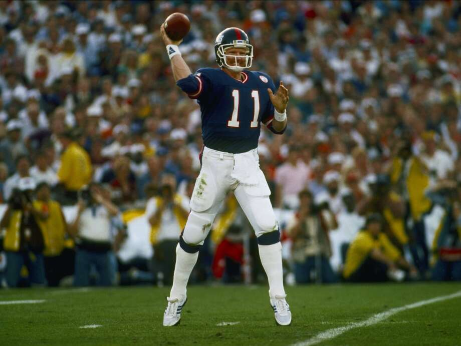 Super Bowl XXI New York Giants 39, Denver Broncos 20 Jan. 25, 1987  MVP — Phil Simms, QB, New York Giants  Stats: 268 passing yards, 3 touchdowns Photo: Rob Brown, Getty Images