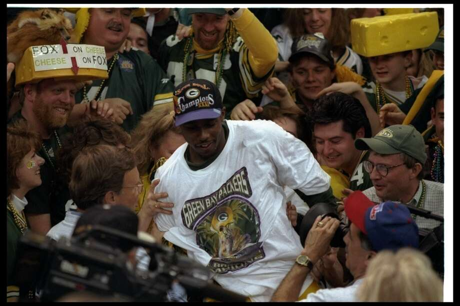 Super Bowl XXXI Green Bay Packers 35, New England Patriots 21 Jan. 26, 1997  MVP — Desmond Howard, KR/PR, Green Bay Packers  Stats: 4 kickoff returns - 154 yards, one touchdown, 6 punt returns - 90 yards Photo: Al Bello, Getty Images
