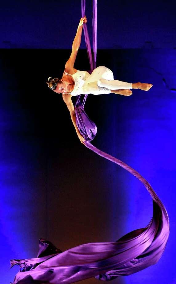 Cirque de la Symphonie performing at SPAC in 2011 (Cindy Schultz / Times Union) ORG XMIT: MER2014012809185990 Photo: Cindy Schultz