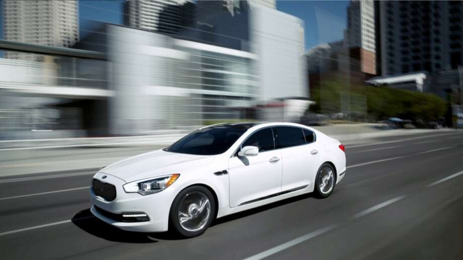The 2014 Kia K900. (Photo: Courtesy of Kia Motors) Photo: Kia Motors
