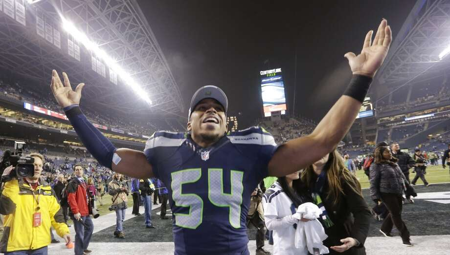 Linebackers Middle linebacker Bobby Wagner is the standout of Seattle's linebackers, well-rounded and with a penchant for making the spectacular play. Outside 'backer K.J. Wright should be full strength after returning from injury against San Francisco, where backup Malcolm Smith sealed the win with his late-game INT (courtesy of Richard Sherman). The Broncos' linebackers are a mostly anonymous group, led by veteran Wesley Woodyard, who splits time in the middle with 12th-year man Paris Lenon. On the outside, Danny Trevathan has emerged in his second season out of Kentucky, leading the team in tackles, while Nate Irving holds down the strong side. Advantage: Seahawks Photo: Elaine Thompson, AP