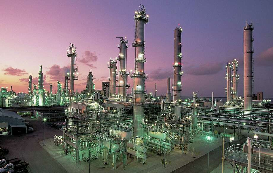 Valero Energy Corp. is planning new construction at its Corpus Christi refinery to process more domestic crude. The company is increasing its ability to process light, sweet crude coming from North American shale fields. Photo: Courtesy Photo / Valero Energy Corp.