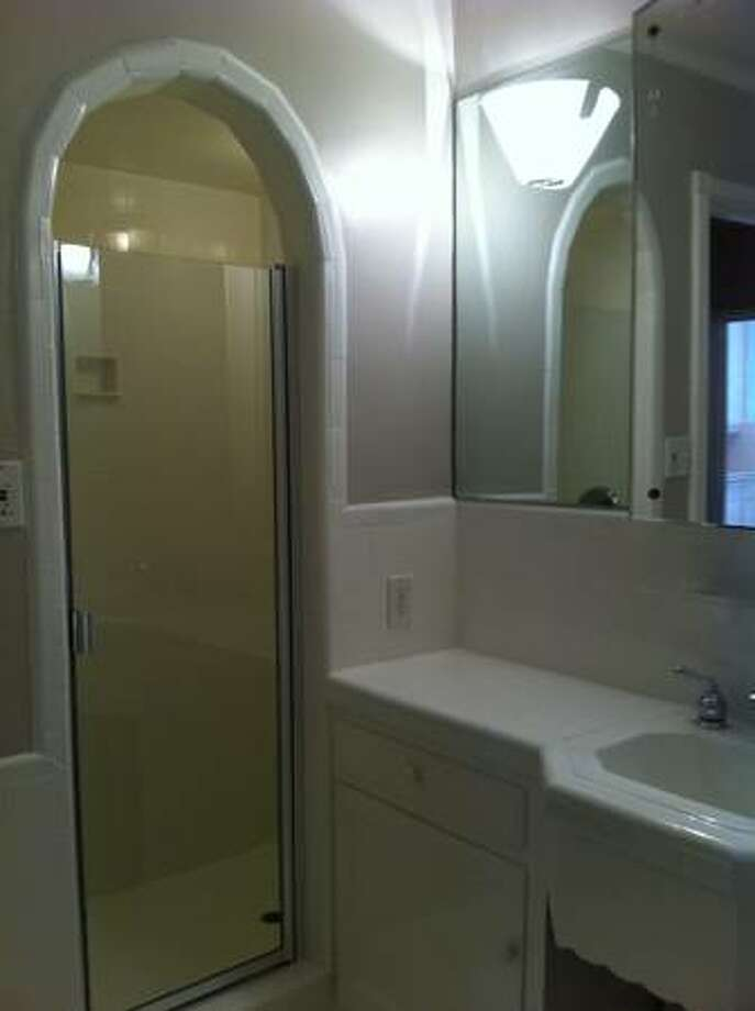 Bath detail.  Photos via Craigslist/Marina Pierce Apartments | California Property Services |