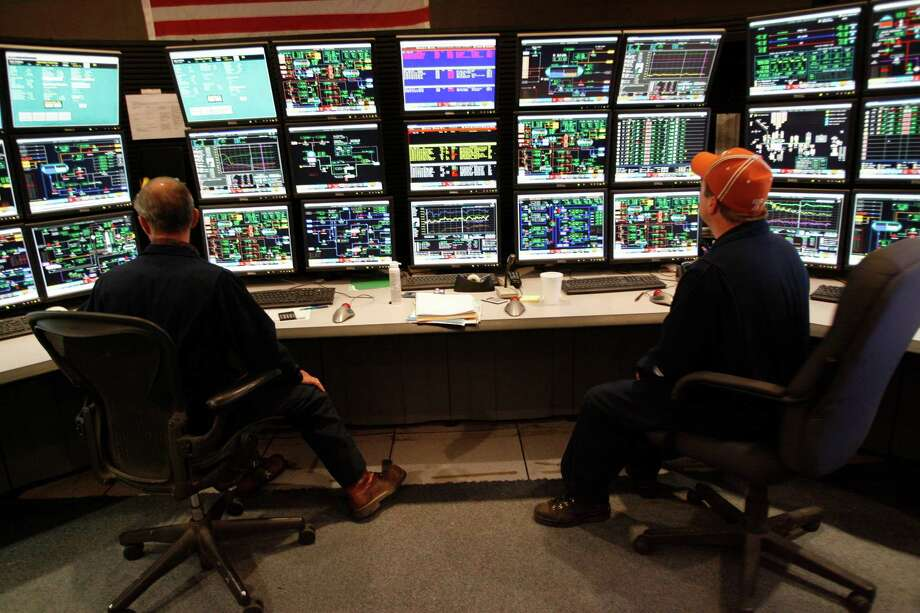 Maana's software helps workers manage complex set of data that are generated in places like ConocoPhillips' control-room in Alaska  as seen in this file photo. Photo: Kevin Fujii, Houston Chronicle / Houston Chronicle
