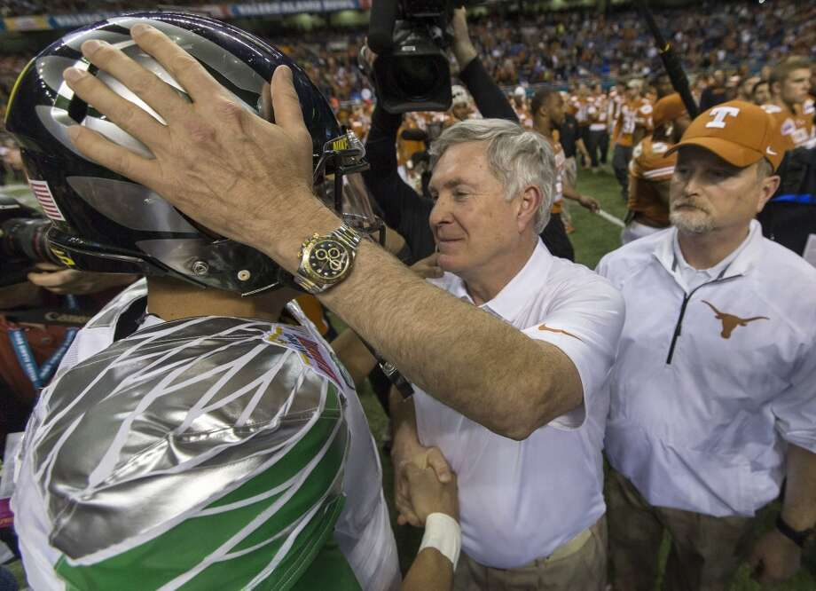 Mack Brown lost his last game as Longhorns coach, falling to Oregon 30-7 in the Alamo Bowl on Dec. 28, 2013. Photo: Ricardo B. Brazziell, MCT