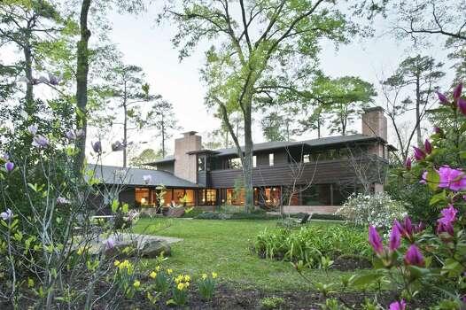 Fine Design Shines In A Historic River Oaks Mid century