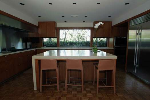 Fine design shines in a historic river oaks mid century for Mid century modern architects houston