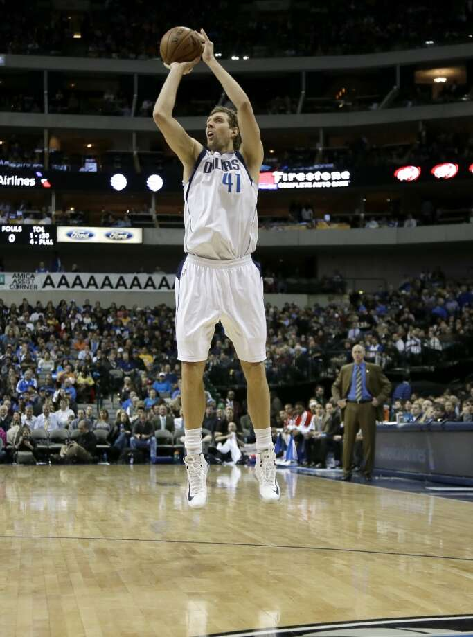 Western Conference reserve  Dirk Nowitzki Dallas Mavericks - forward Photo: Tony Gutierrez, Associated Press