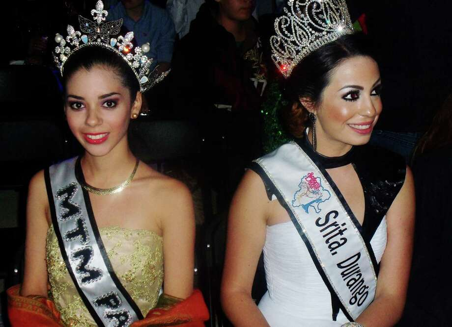 Beauty queens representing cities and regions throughout Mexico compete for the title of Queen of the Carnaval. Photo: Bob Cooper / Bob Cooper
