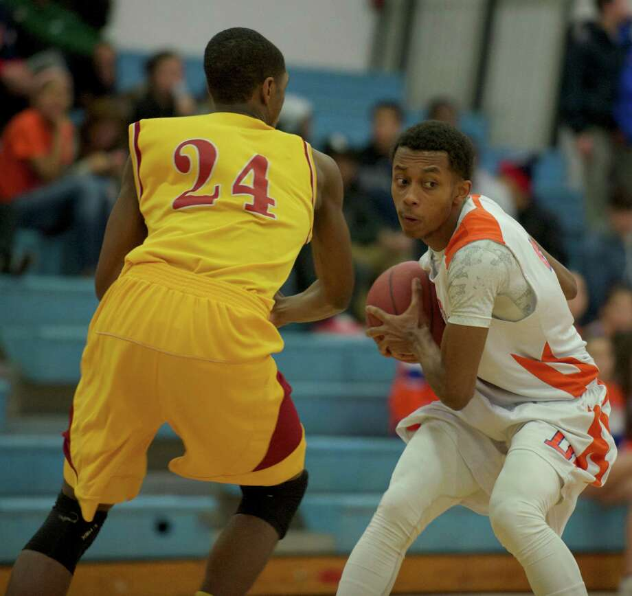 Boys FCIAC basketball, St Josephs, of Trumbull, at Danbury High School, Danbury, Conn on Thursday, January 23, 2014. Photo: H John Voorhees III / The News-Times Freelance