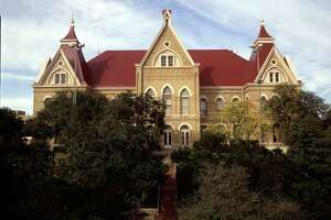 4 Texas colleges respond to threats - Photo