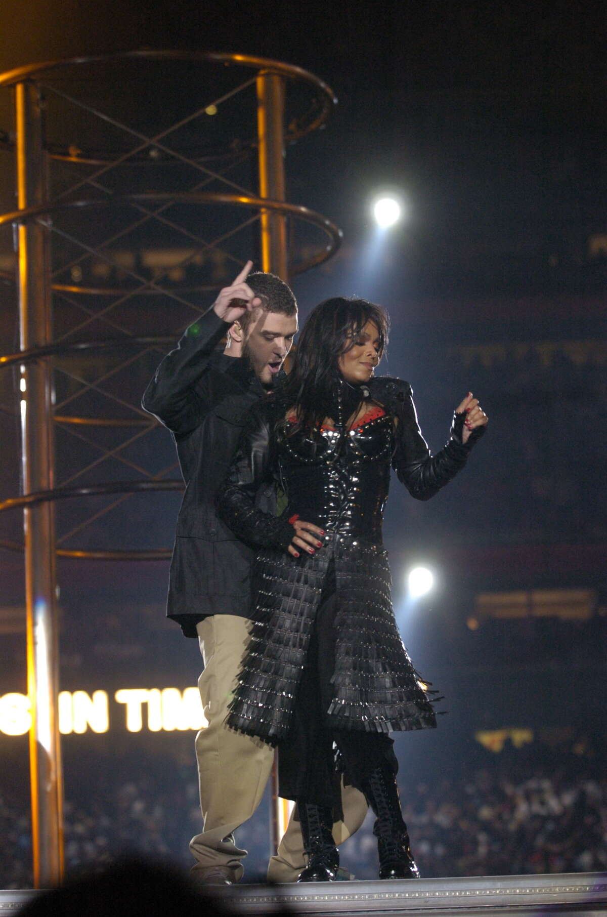 """Justin Timberlake and Janet Jackson perform for halftime at Superbowl XXXVIII Carolina Panthers and New England Patriots at Reliant Stadium 2/1/04: (Christobal Perez,Staff/Hearst Newspapers-Houston Chronicle). HOUCHRON CAPTION (01/01/2005) SECSTAR COLORFRONT: Janet Jackson's Super Bowl """"wardrobe malfunction"""" has had far reaching effects. HOUCHRON CAPTION (01/01/2005) SECSTAR COLOR: SUPER BLOOPER: Justin Timberlake and Janet Jackson made Super Bowl - and broadcast - history last February."""