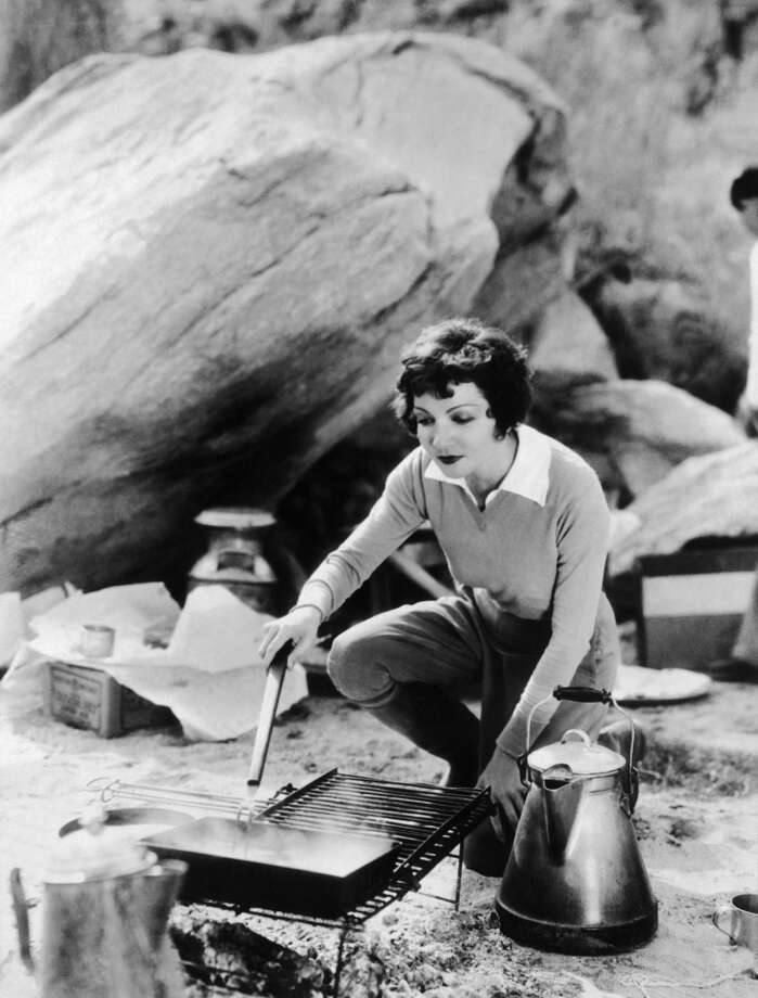 The American actress Claudette Colbert barbecuing in 1932. Photo: Keystone-France, Gamma-Keystone Via Getty Images