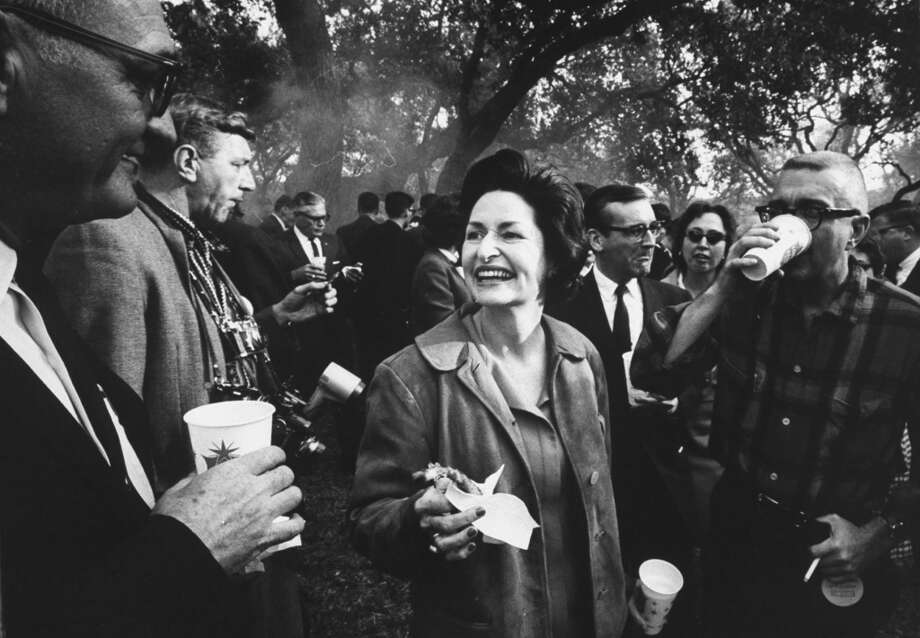 Lady Bird Johnson (C) during a barbecue at the LBJ Ranch in 1963. Photo: Stan Wayman, Time & Life Pictures/Getty Image